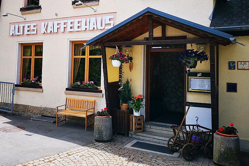 Eingangsbereich des Alten Kaffeehauses in Beerheide.