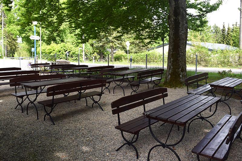 Der Biergarten vom Alten Kaffeehaus.