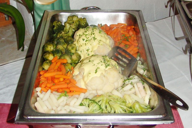 Ein breites Gemüseangebot am Buffet
