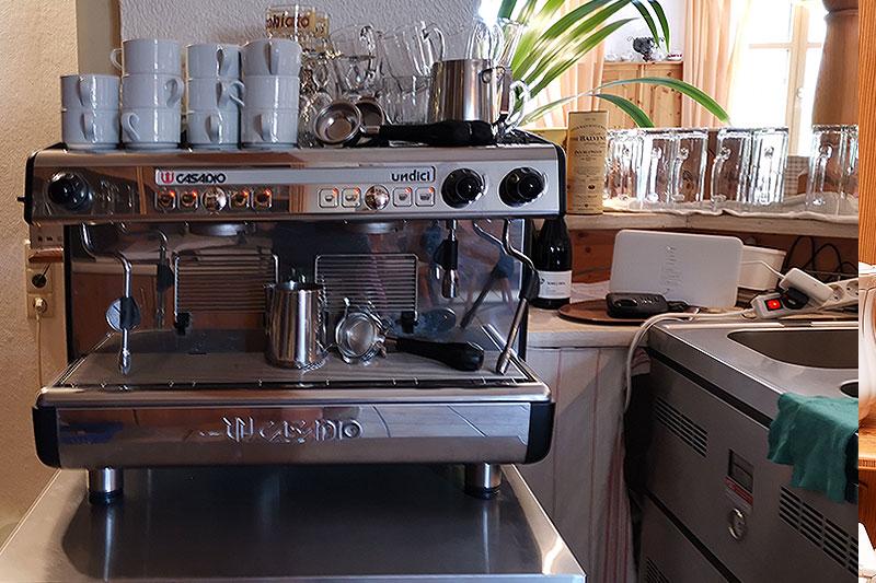 Für die Zubereitung von Kaffe wird modernste Technik eingesetzt.